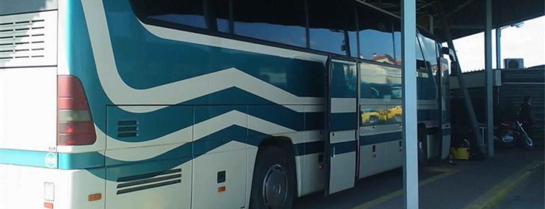 Αποτέλεσμα εικόνας για Βουλευτής γύρισε από τα Γιάννενα με λεωφορείο των ΚΤΕΛ