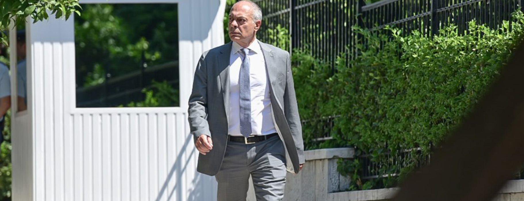 Ο Αλέξανδρος Διακόπουλος δεν μιλάει ούτε ως φιλόζωος ούτε ως ...