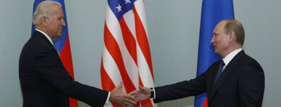 Τηλεφωνική επικοινωνία Tζo Μπάιντεν – Βλ. Πούτιν. Ο πρόεδρος των ΗΠΑ πρότεινε τη διεξαγωγή συνόδου κορυφής «σε τρίτη χώρα»