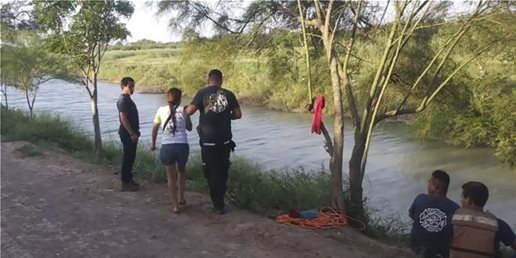 disturbing-image-of-father-daughter-drowned-at-u-s-mexico-border-highlights-migrants-perils-660x330